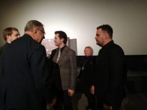 Занусси  благодарен и Минкульту, и Госкино. Но не  ответил согласием на публичное предложение Евгения Нищука провести мастер-класс в институте Карпенко-Карого....